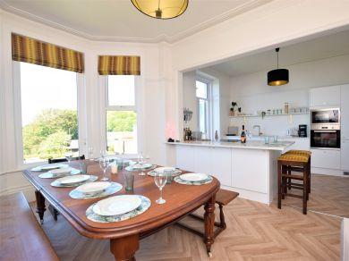 Courtlands Seaside Villa (83721)
