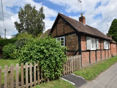 Bumble Bee Cottage At Bushley (83780)