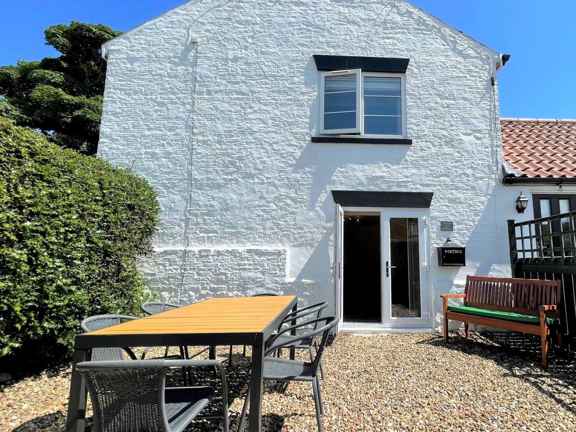 2 Bedroom Cottage in Barmston, The Lake District and Cumbria
