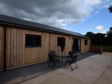 Coomb Bank Farm Barn 3 (83916)