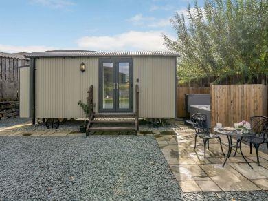 Skiddaw Shepherds Hut (83970)