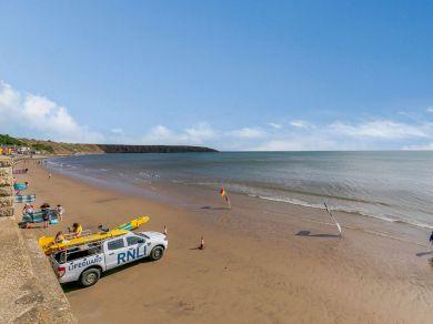 Beach View (84008)