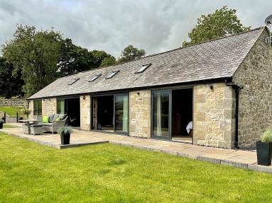 Beeswing Lodge (85311)