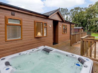 Camellia Lodge (85432)
