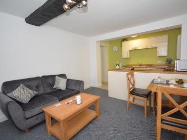 Valley Town Apartment (85514)