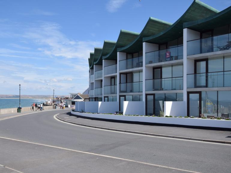 Looking towards the apartments with the sea view