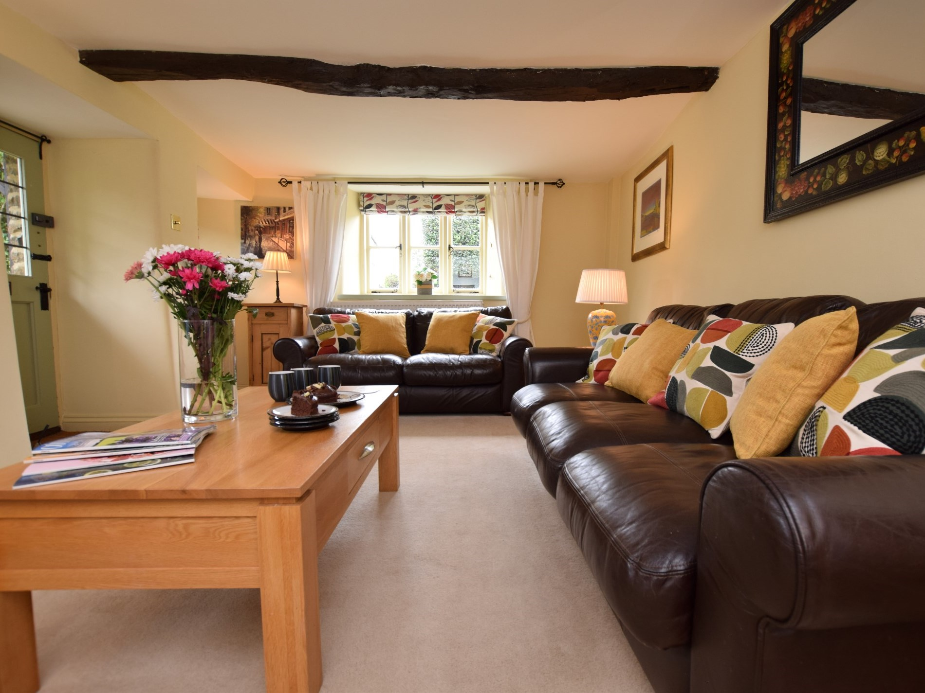 Spacious lounge with ample seating
