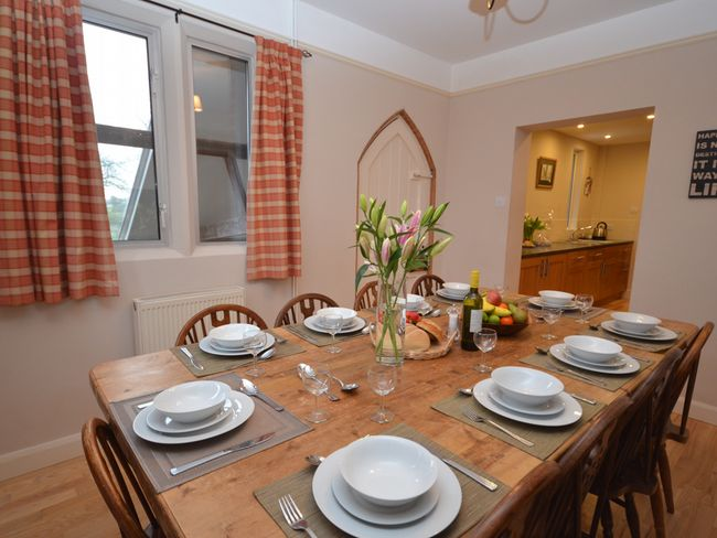 Dining room with access to the kitchen