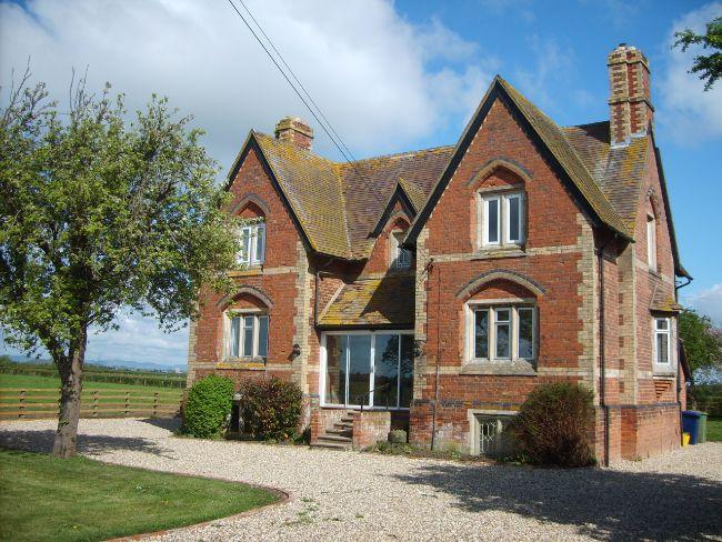Detached Cotswold farmhouse
