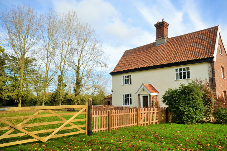 The Farm House at Shelton - dog friendly cottage in Norfolk