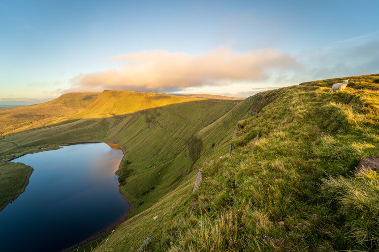 13 lakes in Wales for an extraordinary break