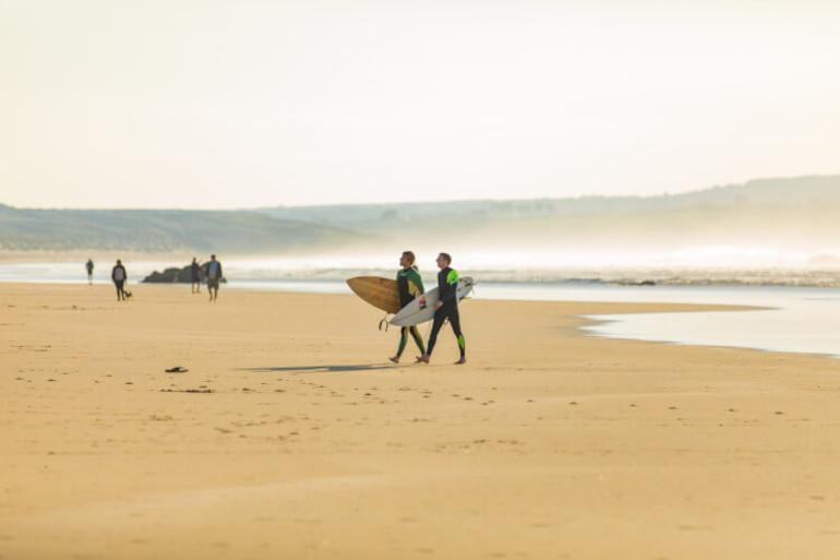 A guide to surfing holidays in Cornwall