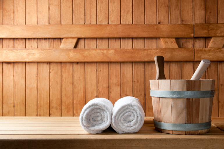 Cottages with saunas and hot tubs for chilly autumn nights