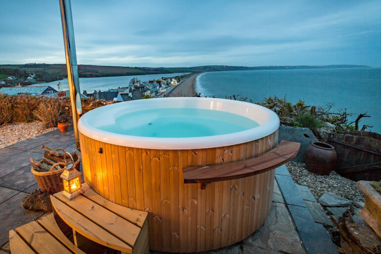 Luxury cottages with a sea view in the UK