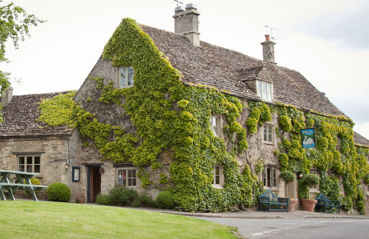10 pubs to spot the rich and famous