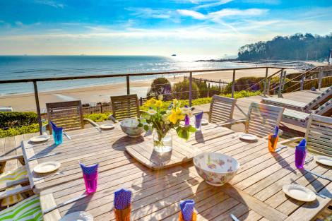 Luxury cottages with a sea view