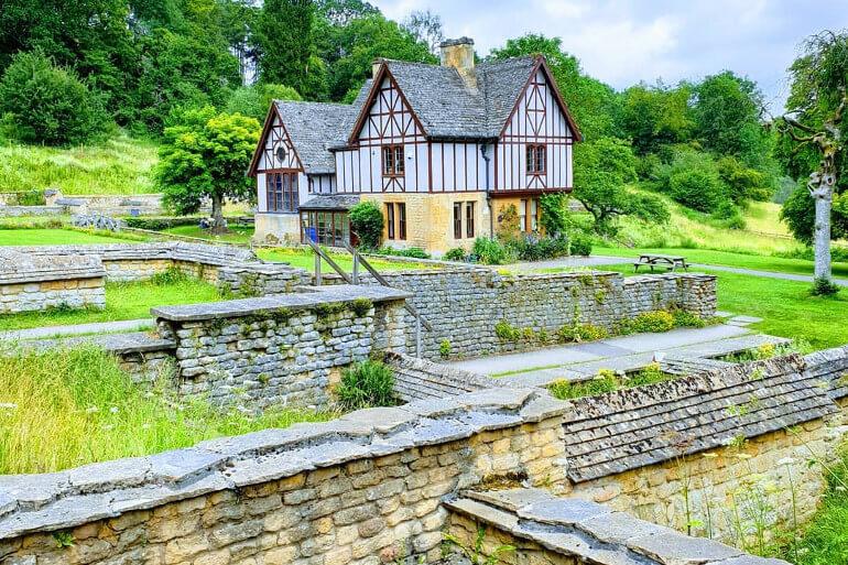 NT Chedworth Roman Villa