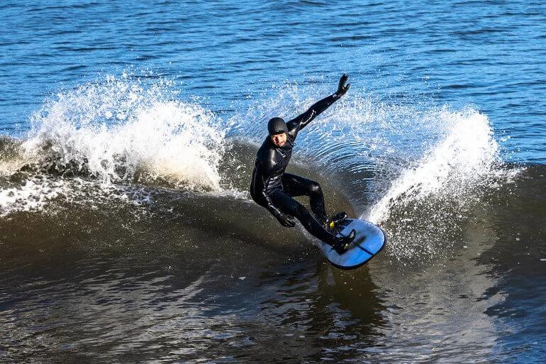 Sandsend surf