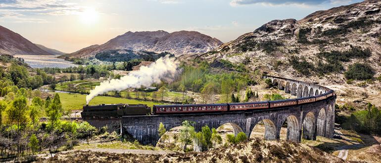 The postcard-like view of Glenfinnan Viaduct
