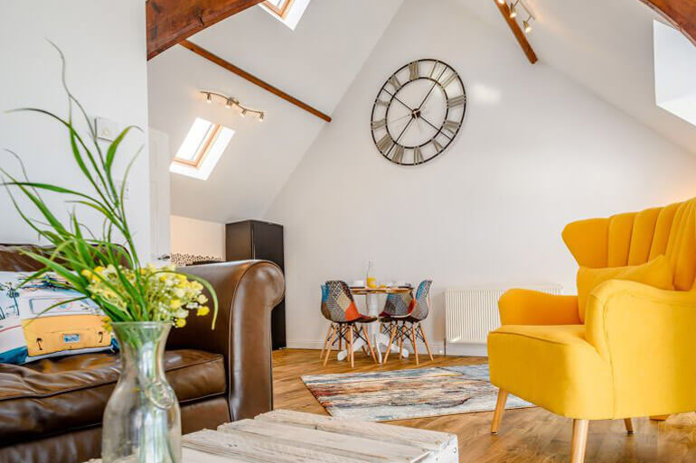Stylish mix of furniture at 2 The Old Chapel - Westward Ho!