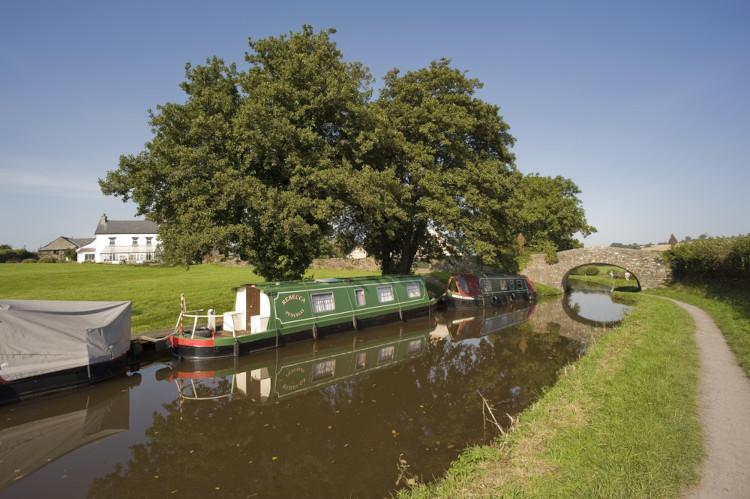 Abergavenny walks - Monmouthshire canal