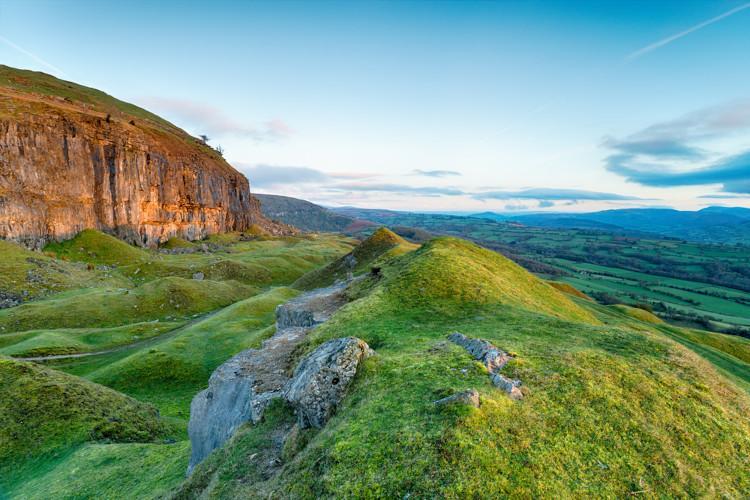 Crickhowell walks - Llangattock Escarpment