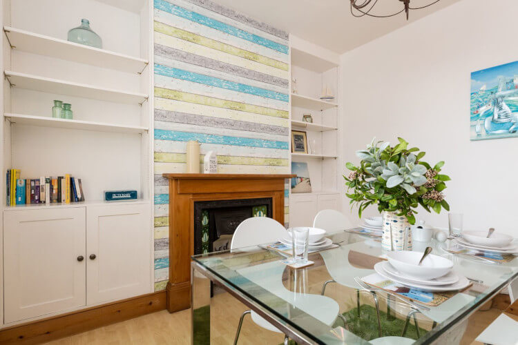 A nautical and naturally bright dining room