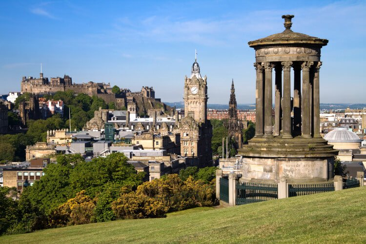 Discover the city of Edinburgh whilst eating at the Sheeps Heid Inn