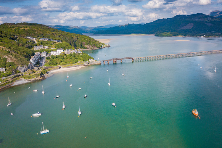 The Canine guide to Barmouth