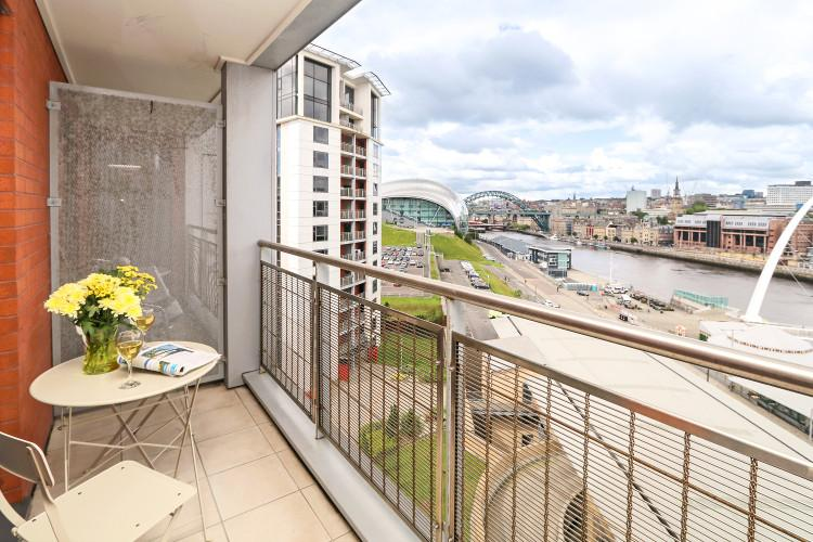 Baltic Quay Apartment in Newcastle