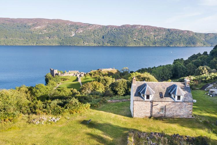 Strone Castle Cottage, Lochness, Inverness