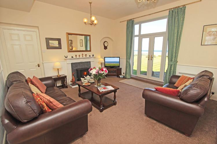 Sound of the Sea holiday cottage in Seahouses