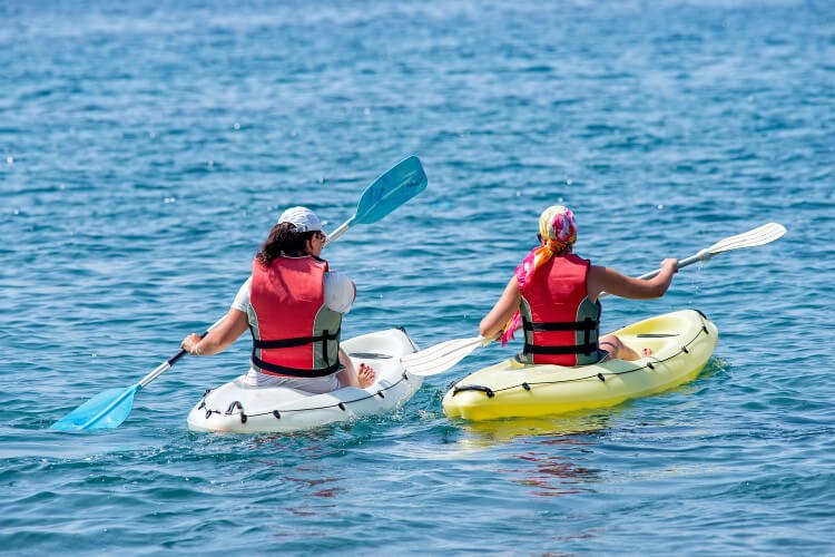 Sea kayaking tours in Dorset