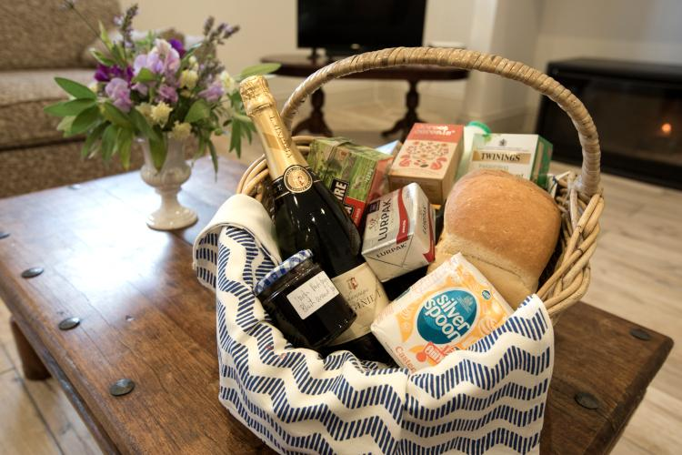 holiday home hamper