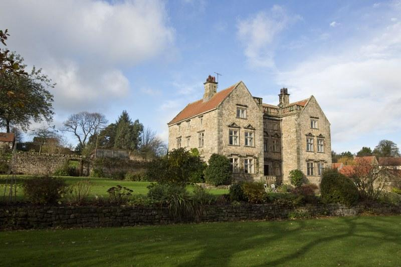 The stunning setting of the Manor House in Moulton