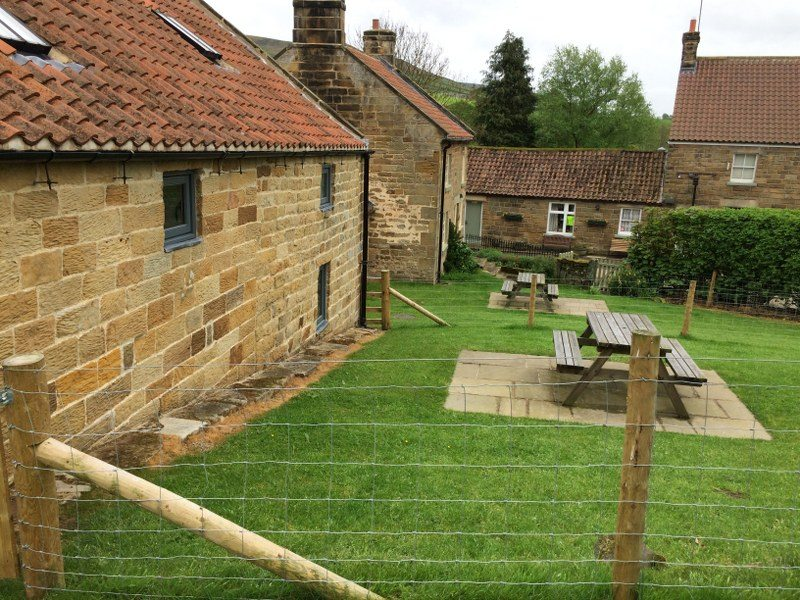 There's an enclosed garden at this dog-friendly holiday cottage