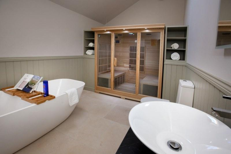An infrared sauna give this holiday cottage the wow-factor!