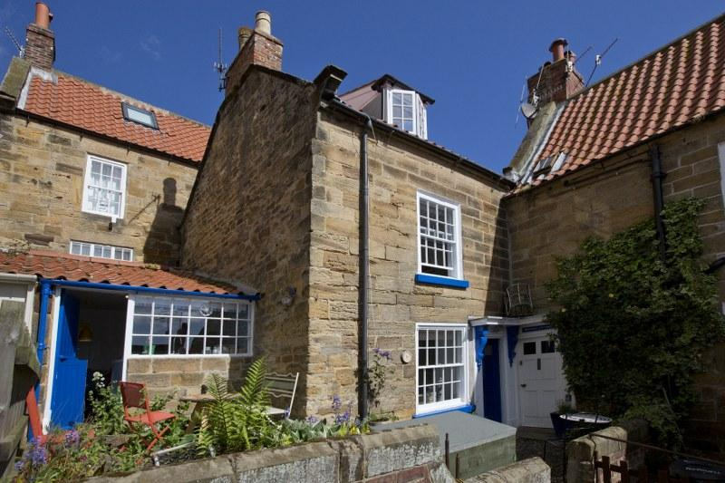 Traditional holiday cottage in Robin Hoods Bay