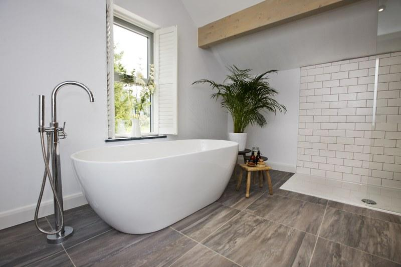 Who fancies a soak in this freestanding bath?