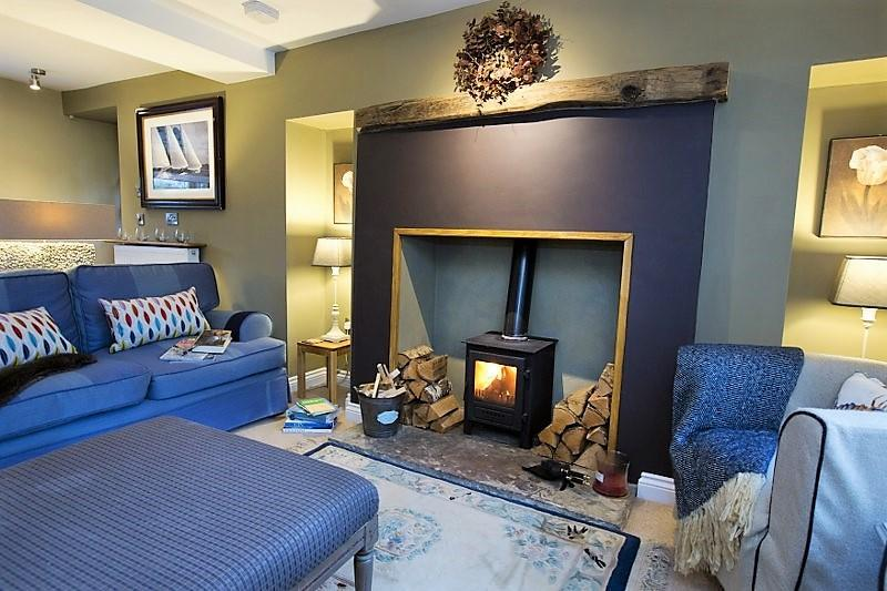 Welcome to the cosy and peaceful living room in Bluebell.
