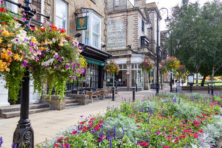 Properties and retreats in Harrogate Image