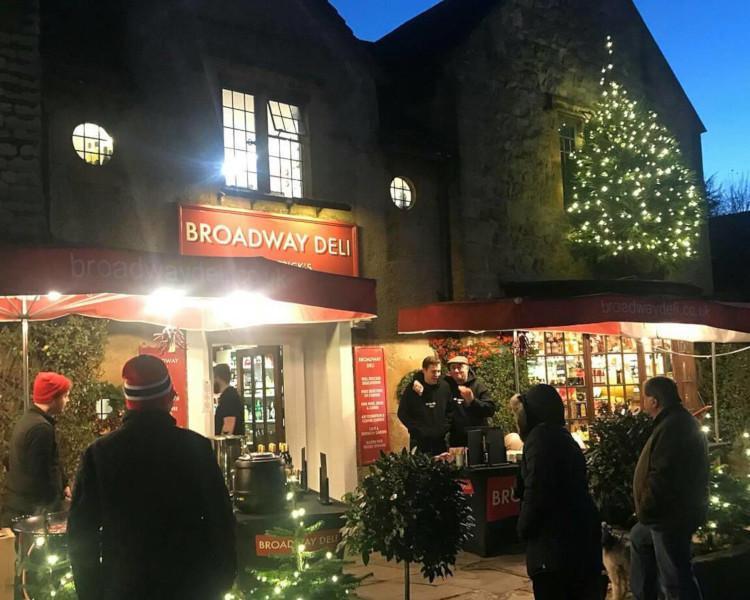 Broadway Late Night Christmas Shopping Markets