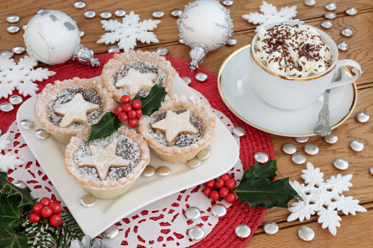 mince pies with santa