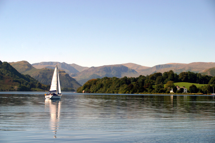 Enjoy a family-friendly cruise in the Lake District