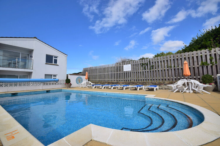 Mawgan Porth holiday cottages