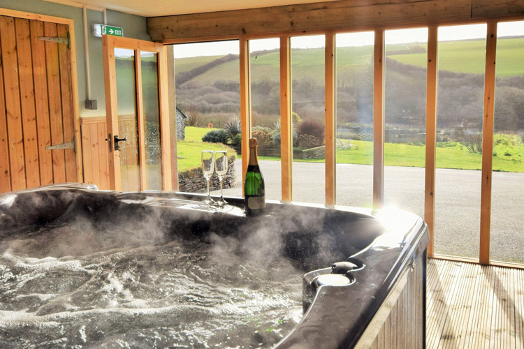 Reddivallen, Boscastle, a hot tub holiday cottage in Cornwall