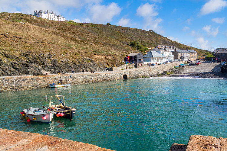 Holidays in Mullion Cove, Cornwall