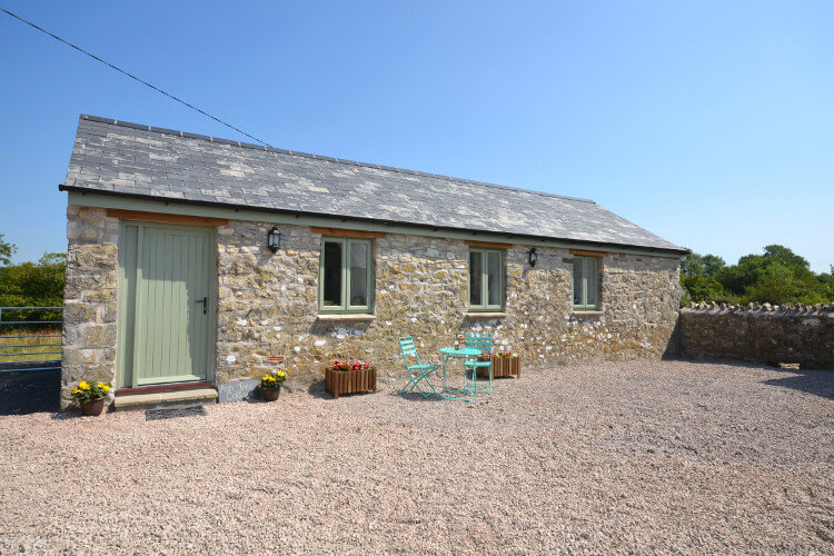 Suton Barns, Ash Tree Cottage in Wales