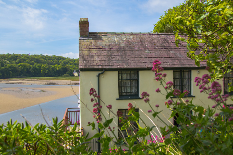 dylan thomas boat house