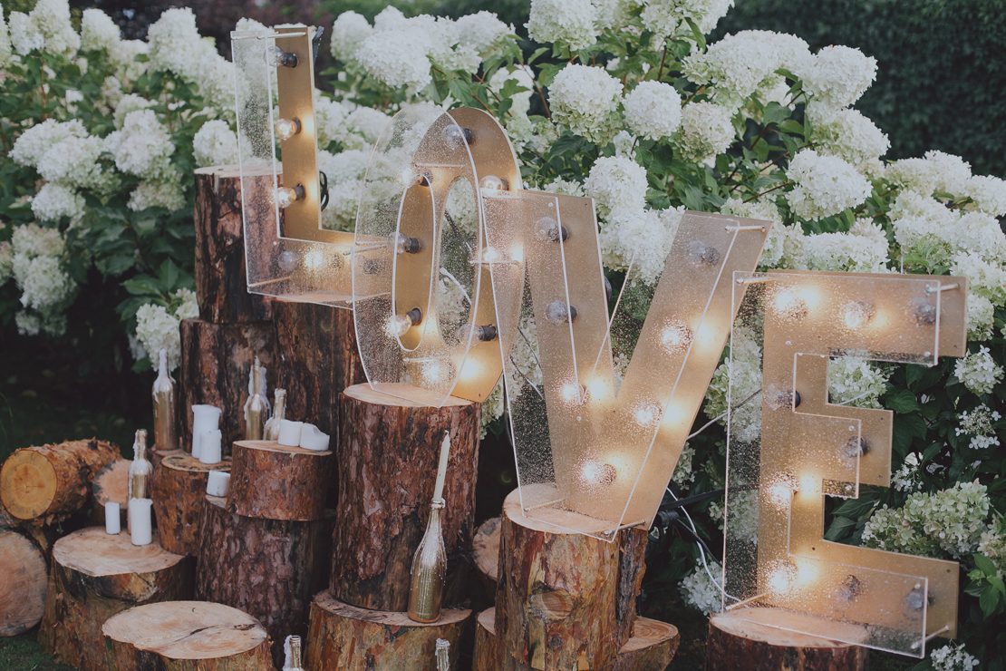 Dazzling engagement party ideas